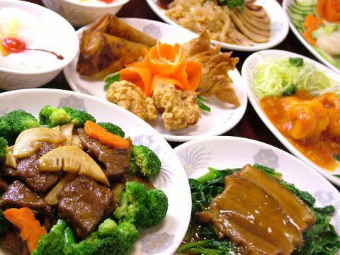 中華料理と中国料理 日本でもおなじみの中華料理です。日本で中華料理と言えば、ほとんどが広東料理を