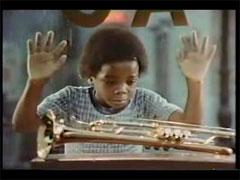 トランペットを欲しがる黒人少年