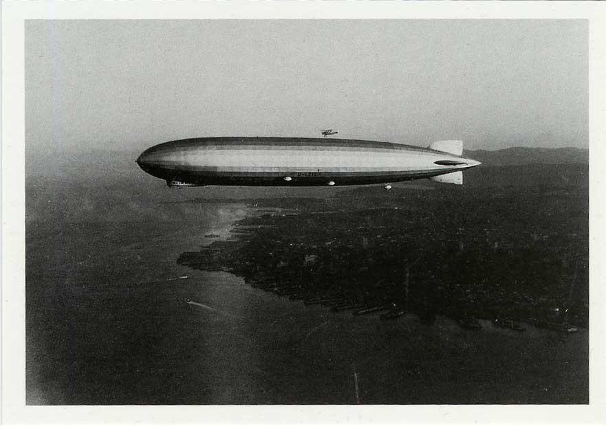 Graf Zeppelin - Partie 4 dans Photographies du monde d'autrefois Plane-MMM029%20Graf%20Zeppelin%20Uber%20SF